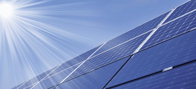 como-valorizar-o-seu-imovel-com-energia-solar-eletrojr