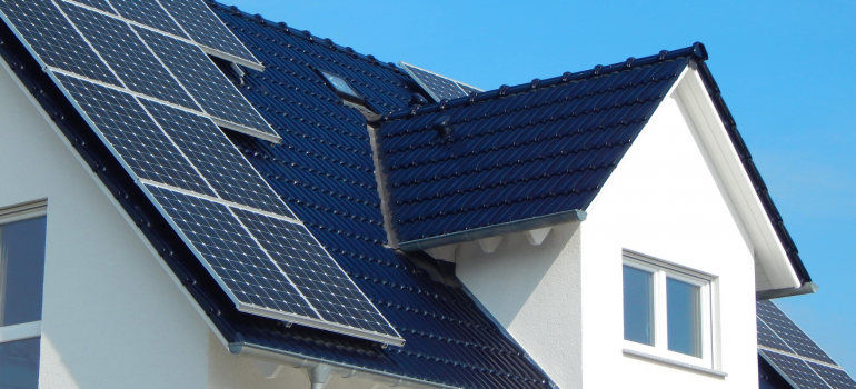 painel-solar-eletrojr