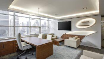 escritório com projeto luminotécnico